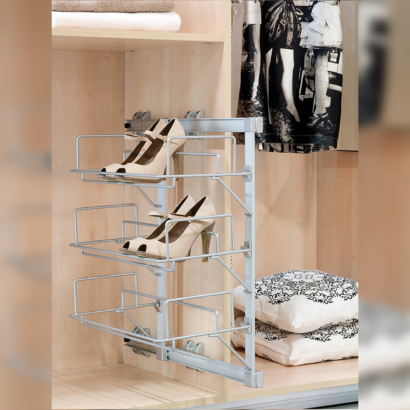 Ištraukiama batų lentyna
